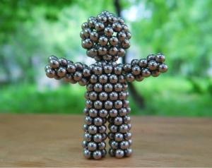 Кубики из магнитных шариков - фото